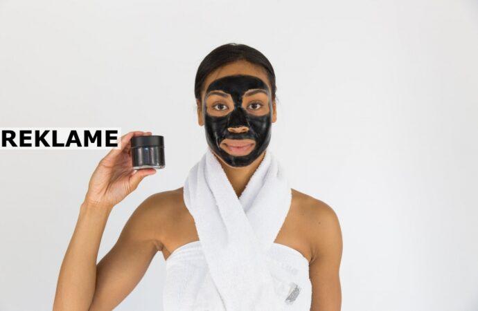 Anvendelsen af en ansigtsmaske vil skabe flotte resultater