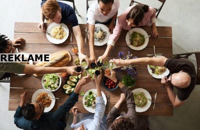 Sådan arrangerer du en hyggelig aften for dine venner